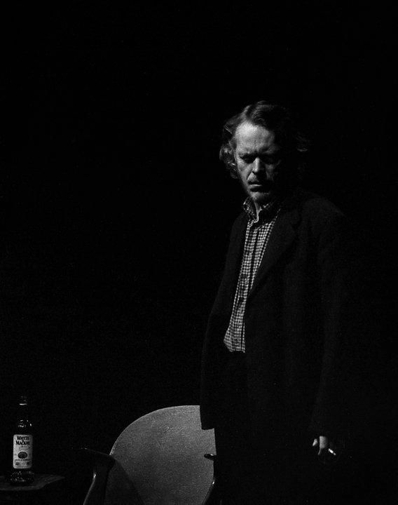 """Skuespiller torsten Andersen fra forestillingen """"Været er varmt på baksida av klokka mi."""""""