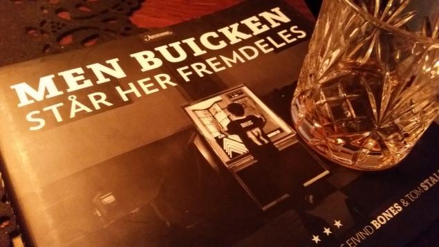 BLUES & BØRST: 'Buicken' er gråtonede nyanser av bilder og poesi.
