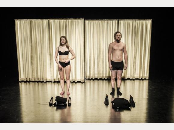 kvinne kjenn din kropp - hoved Copyright_-Fotograf-Dag-Jenssen-flash_frame916_x_684