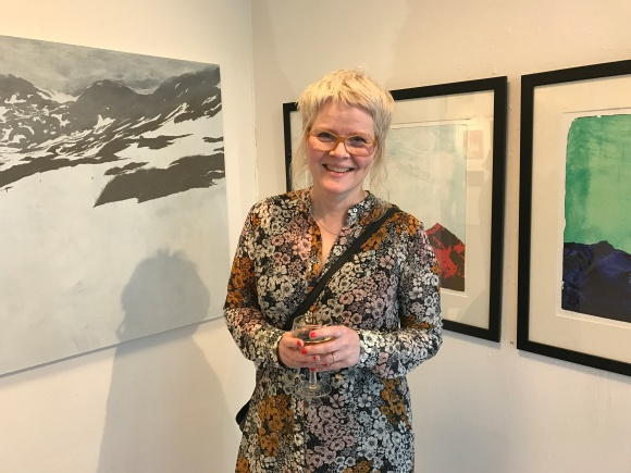 NATUR OG STILLHET: Det preger mange av bildene på Anne Kristin Hagesæthers nye utstilling på Galleri Osebro.
