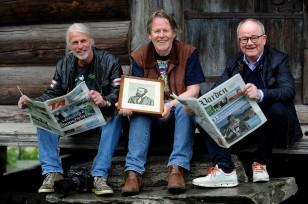BOK OM AASMUND OLAVSSON VINJE: -Dette er «vår» Vinje gjennom våre bilder og ord, forteller fotograf Inge Fjelddalen(f.v.), forfatter og journalist Eivind Blikstad og fotograf Per-Eirik Hekkelstrand.